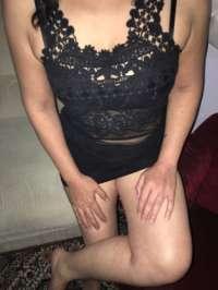 Seksi kendi yeri olan kız Altan